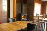 キッチンスペースであった部分は冬玄関と繋げ、暖炉のある客席フロアーへ