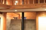 階段の向きを変えたら吹き抜ける暖炉スペースができました。
